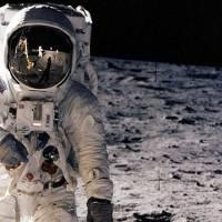 La NASA realizan exposición de rocas recolectadas durante la misión Apolo. Noticias en tiempo real