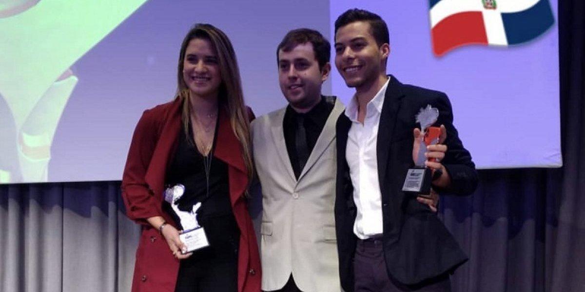 """Grupo Creativo ganó tres """"Premios Fepi"""" en Argentina; uno de ellos fue por la campaña #SoyInmigrante, de la cantautora Nathalie Hazim"""