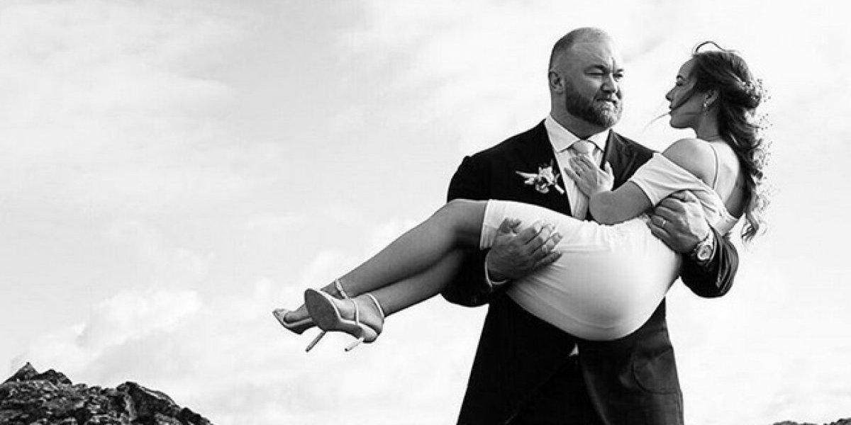El hombre más fuerte del mundo se casa