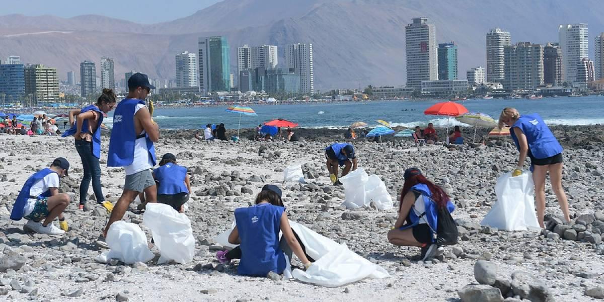 Profesionales chilenos harían trabajos voluntarios si sus empleadores les dieran el tiempo