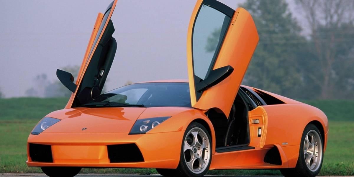 Rechaza propuesta de matrimonio con todo y Lamborghini