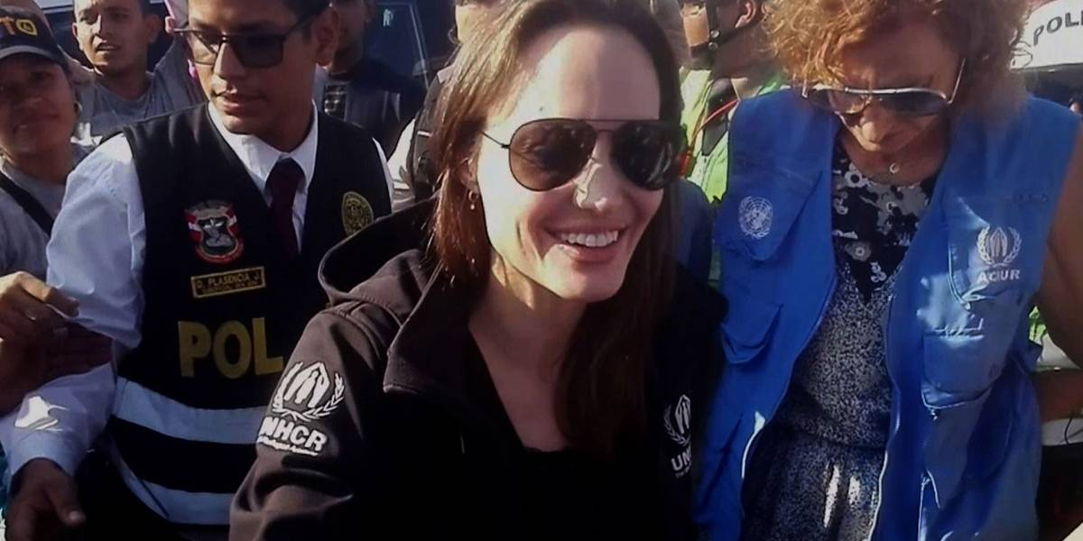 Crisis en Venezuela: Las fotos de Angelina Jolie en la frontera de Perú con Ecuador
