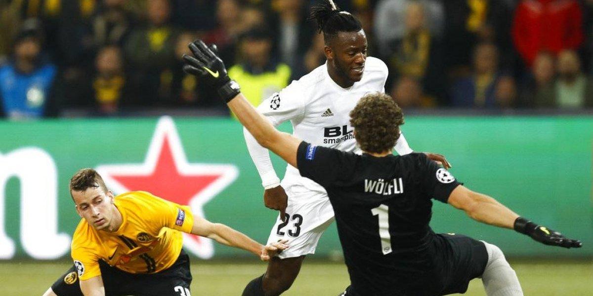 Valencia fue incapaz de vencer al débil Young Boys y le da un respiro al United de Alexis en la Champions