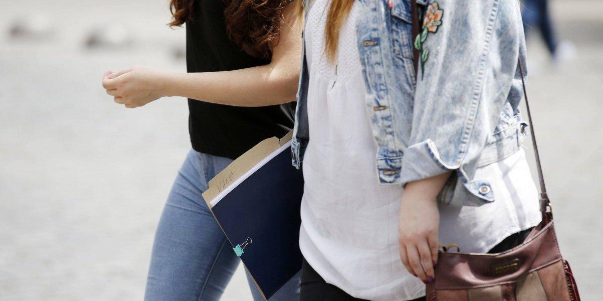 Tasa de desempleo de Gran Santiago llega a 7,1%: desocupación femenina sufrió fuerte aumento