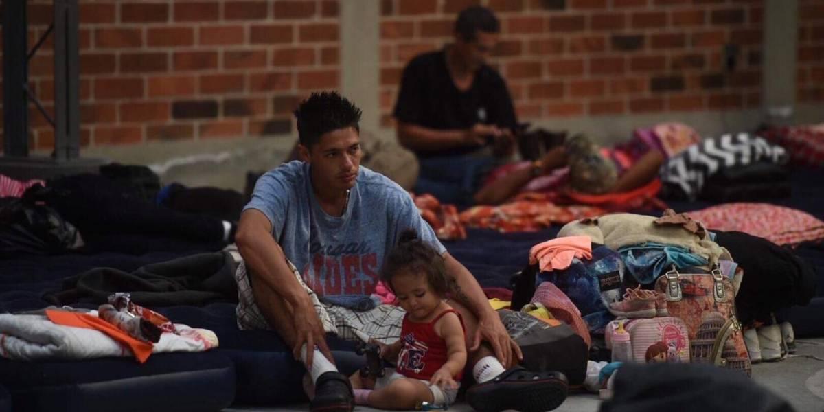 VIDEO. Denuncian cobro ilegal de Q100 a cada hondureño que cruza la frontera con Guatemala