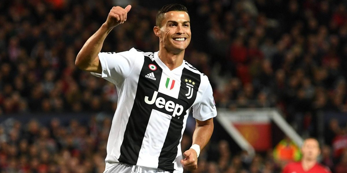 VIDEO: El Old Trafford se rinde ante Cristiano Ronaldo