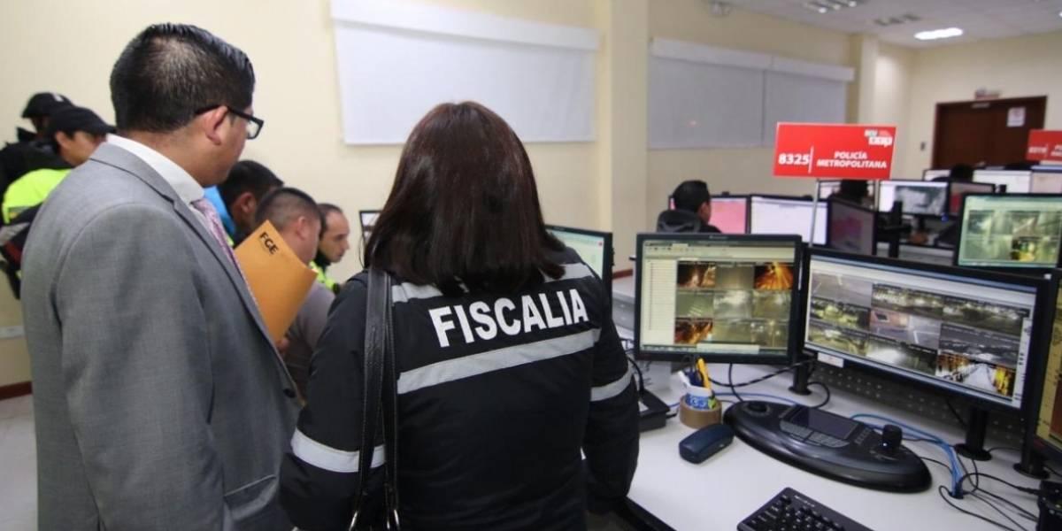 Fiscalía y Policía se incautan de equipos electrónicos y documentación en el ECU911 Quito