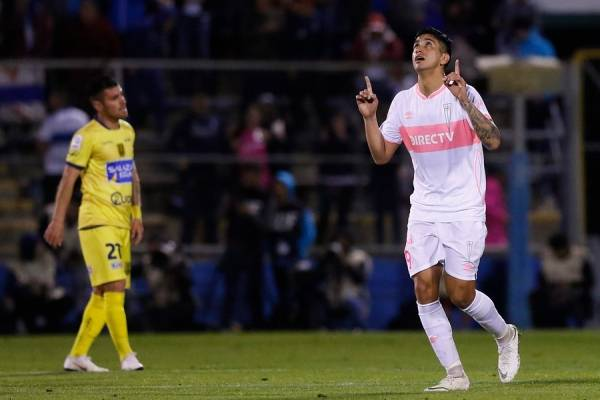 Andrés Vilches fue cedido por Colo Colo a la UC en enero y estará hasta diciembre. Tiene contrato con el Cacique hasta fines de 2019 / Foto: Photosport