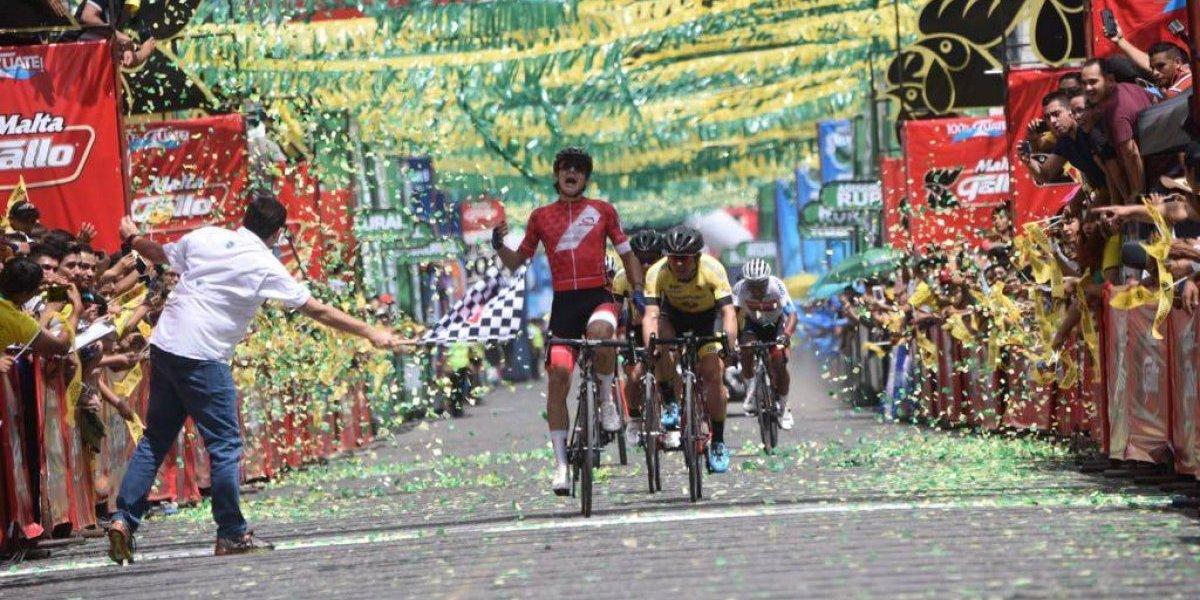 El primer golpe en la Vuelta lo da Perú