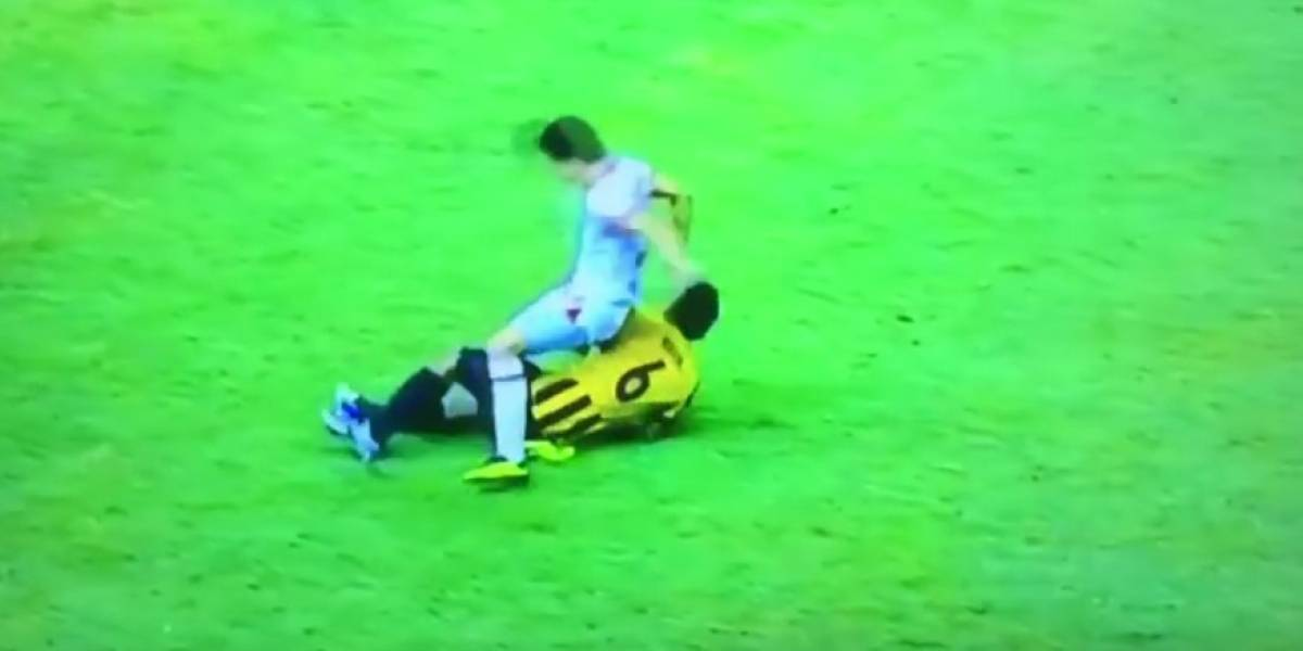 Futbolista sufre grave lesión tras en el Campeonato de la AFC