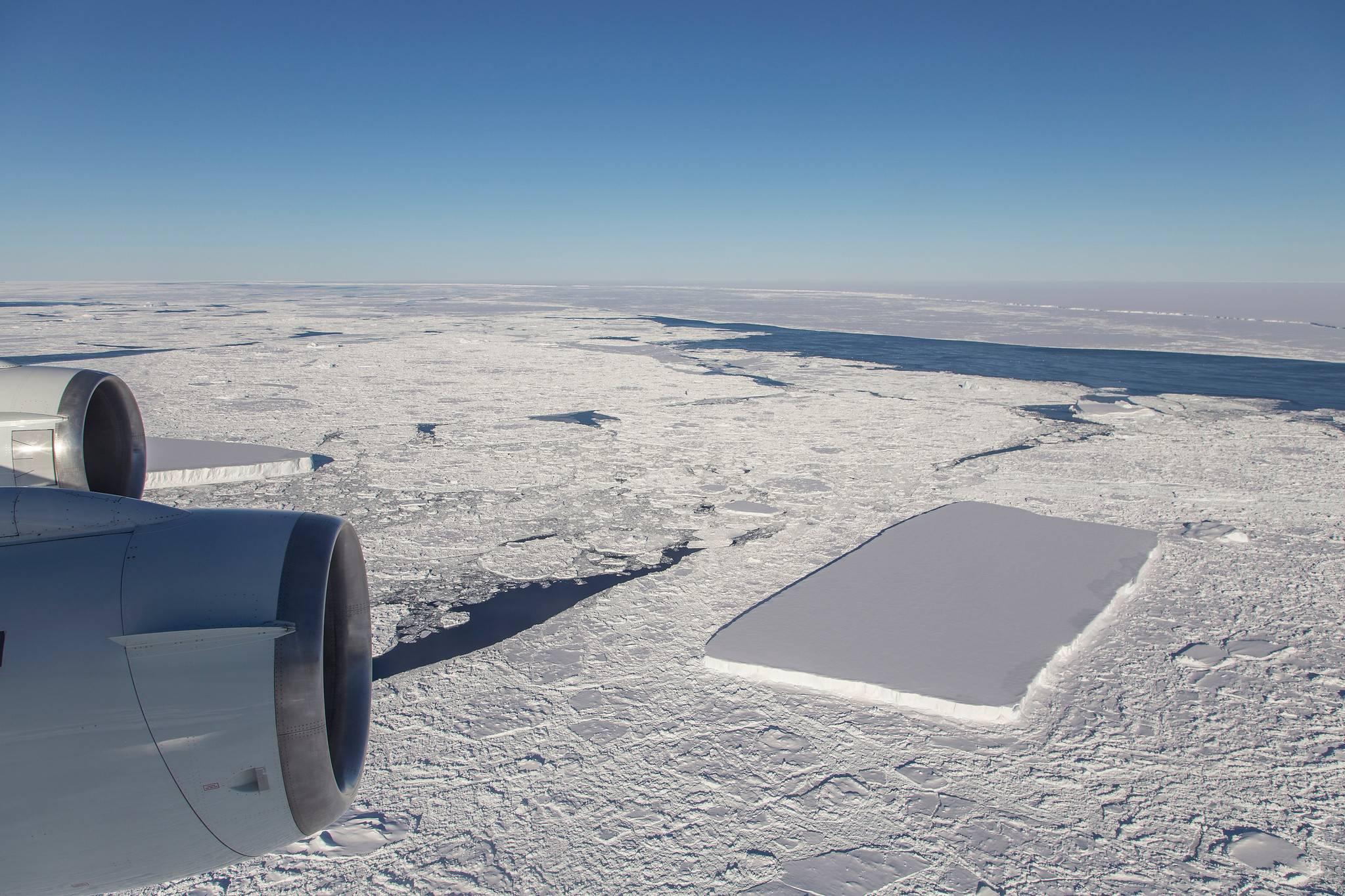 La NASA descubrió un impresionante iceberg rectangular en la Antártida