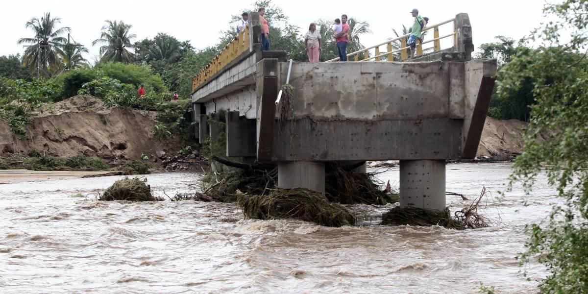 Supervisan afectaciones tras paso del huracán 'Willa' por Jalisco