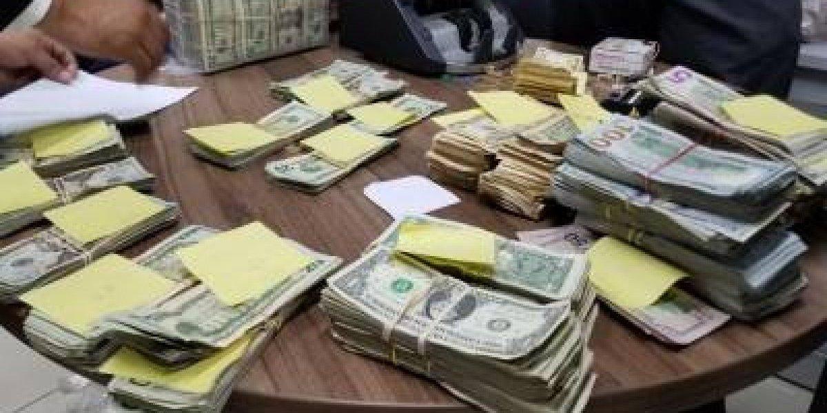 Decomisan más de 244 mil dólares en furgoneta que llegó al puerto de Santo Domingo