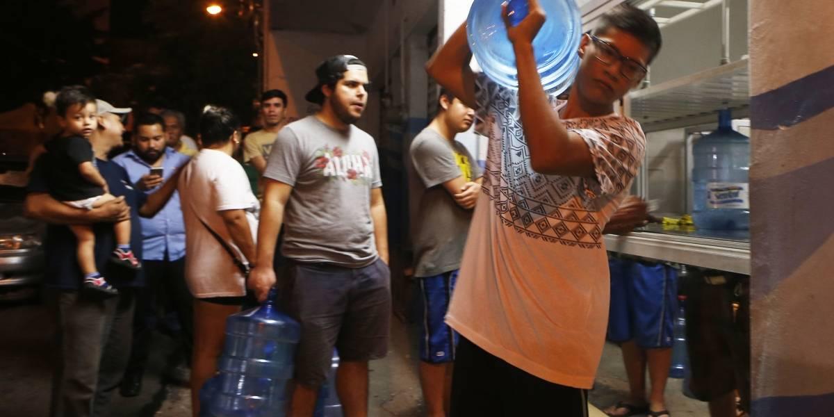 Huracán Willa llega a México, miles de evacuados van a refugios