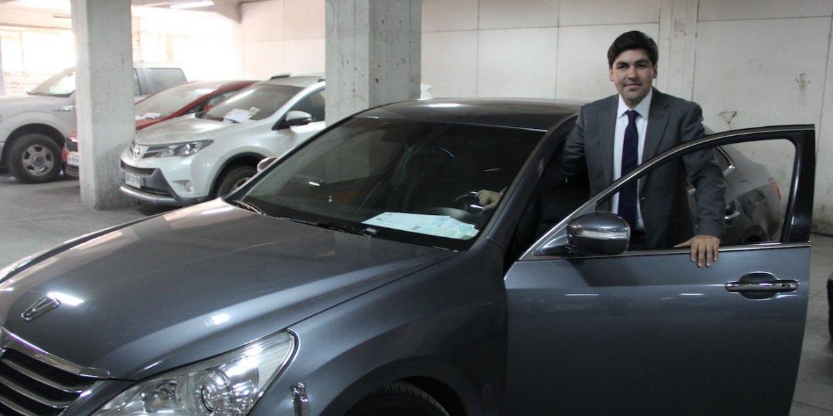 """Por $20 millones se vendió el auto que usaron Piñera y Bachelet desde 2013: nuevo dueño """"se enteró por la prensa"""" del remate"""