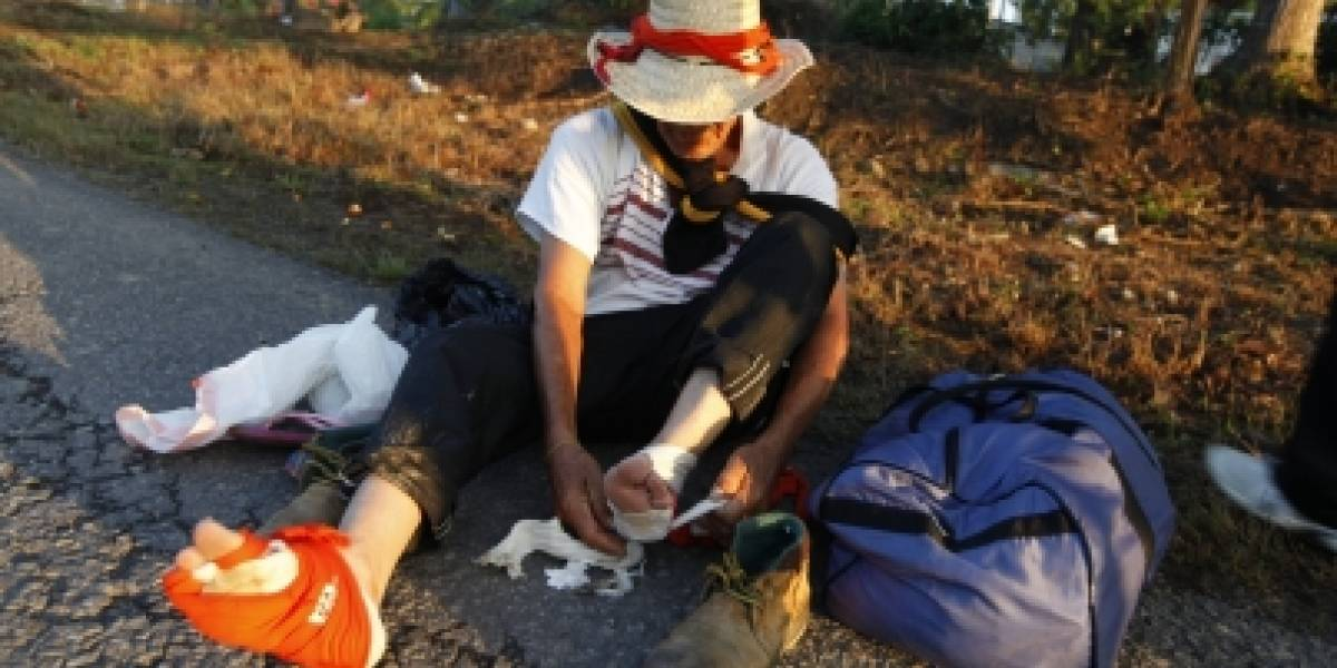 Caravana migrante de hondureños avanza hacia Escuintla