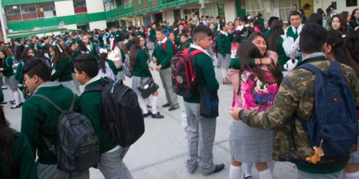 No queremos que se ideologice a los niños, rechazan padres el 'uniforme neutro'