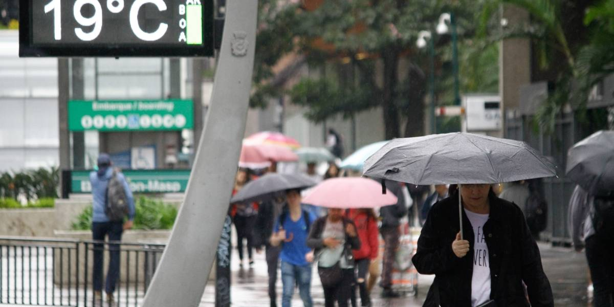 Previsão do tempo: sábado tem calor, mas volta a chover de tarde