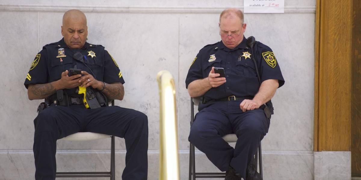 """Llamó 45 mil veces a la policía porque """"no tenía con quien hablar"""""""