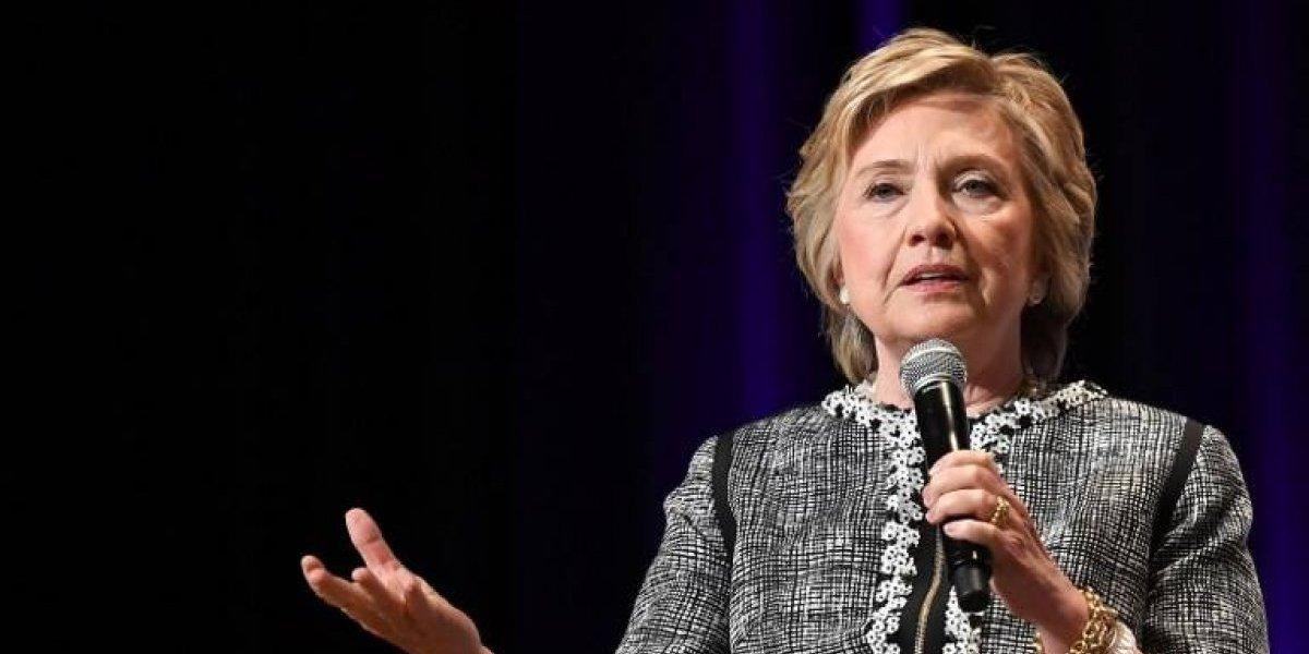 "Hillary Clintonse pronunciatras envío de ""dispositivo explosivo"" a su casa"