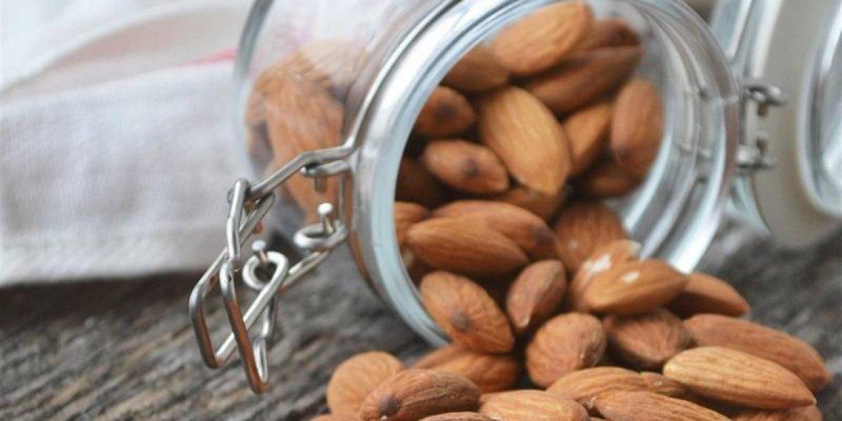 ¿Consumo de almendras afecta los niveles hormonales de las mujeres?