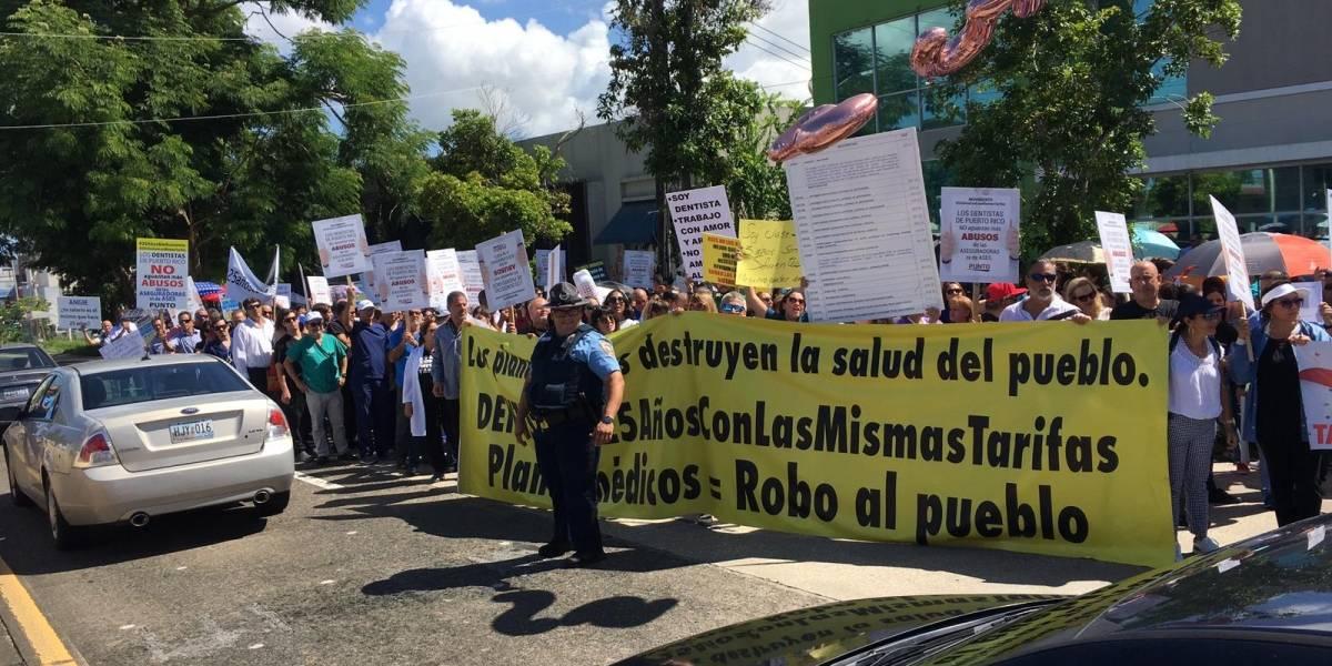 Dentistas exigen a aseguradora revisión de sus tarifas