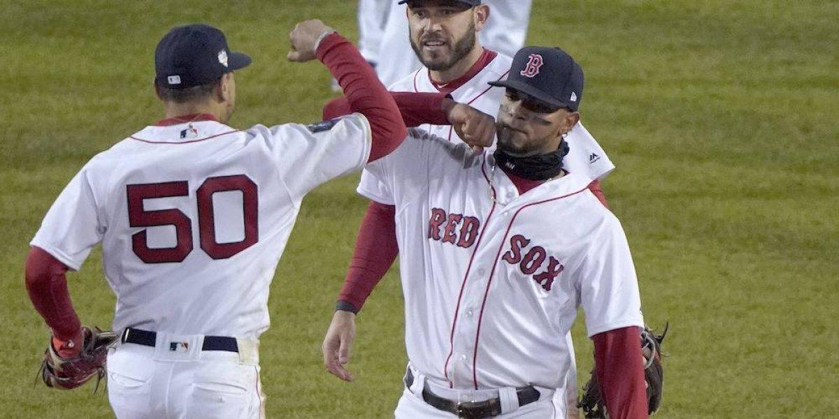 Boston amplía a dos juegos su ventaja en la Serie Mundial