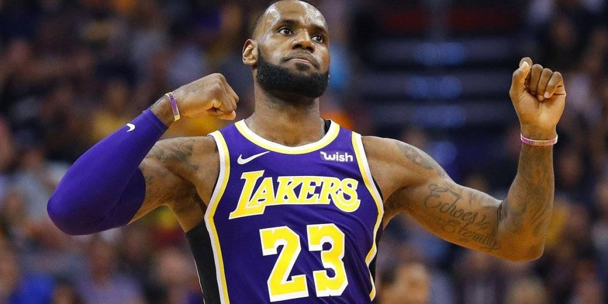 LeBron obtiene primera victoria con los Lakers