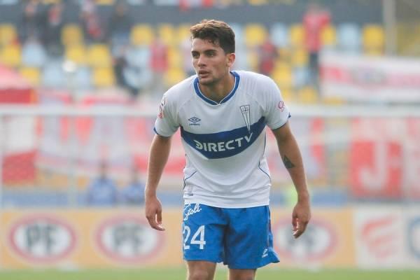 Ignacio Saavedra no ha soltado la titularidad en la UC desde que debutó profesionalmente el 4 de agosto ante Everton / Foto: Agencia UNO