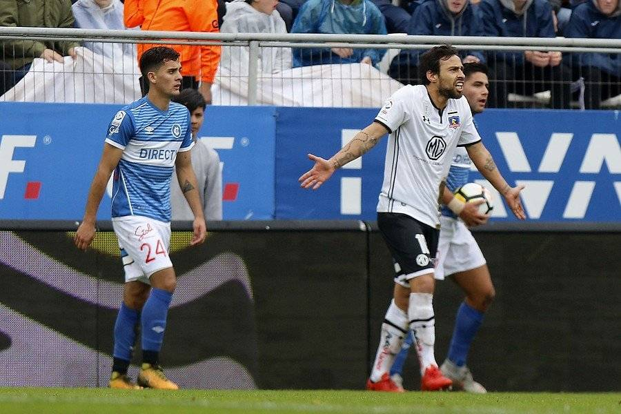 En el triunfo 1-0 de la UC sobre Colo Colo Saavedra cumplió un rol clave al marcar a Valdivia / Foto: Agencia UNO