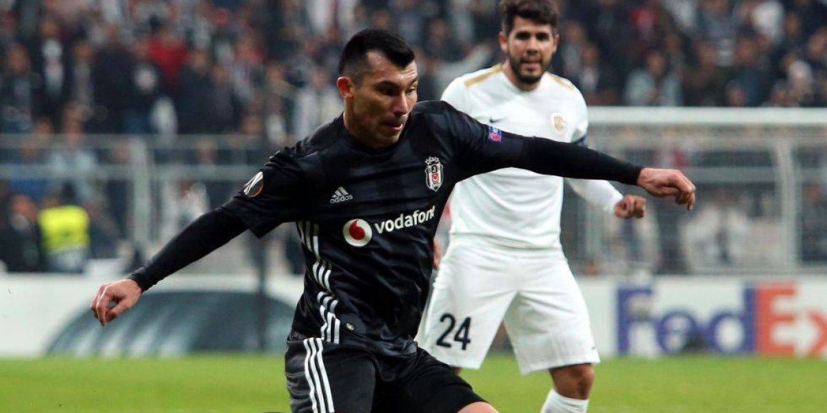 El Besiktas de Medel y Roco protagonizó un papelón en la Europa League