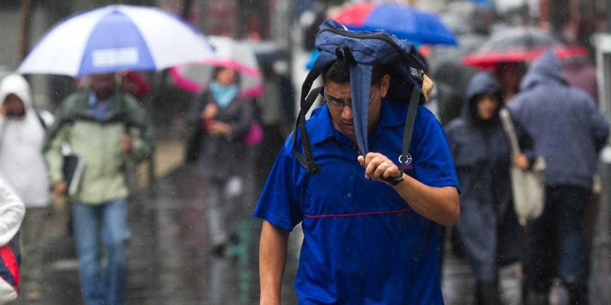 Xavier se aleja de las costas de Colima pero continuarán lluvias