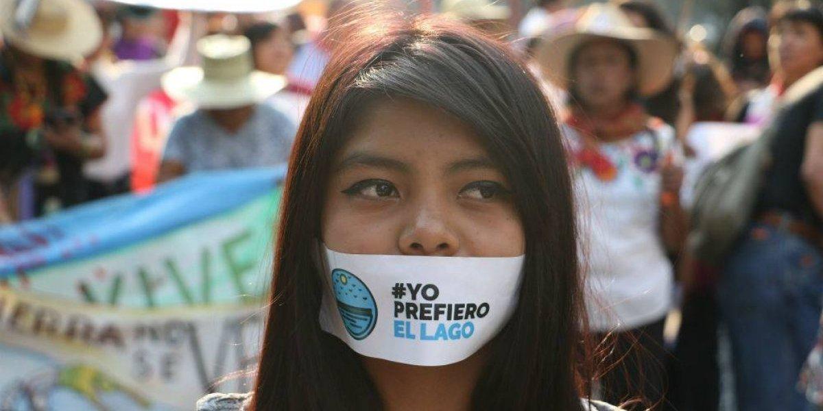 #YoPrefieroElLago marcha contra el NAIM en el primer día de la consulta