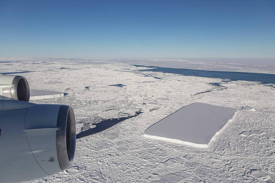 NASA descubre otra iceberg rectangular perfecto en la Antártida