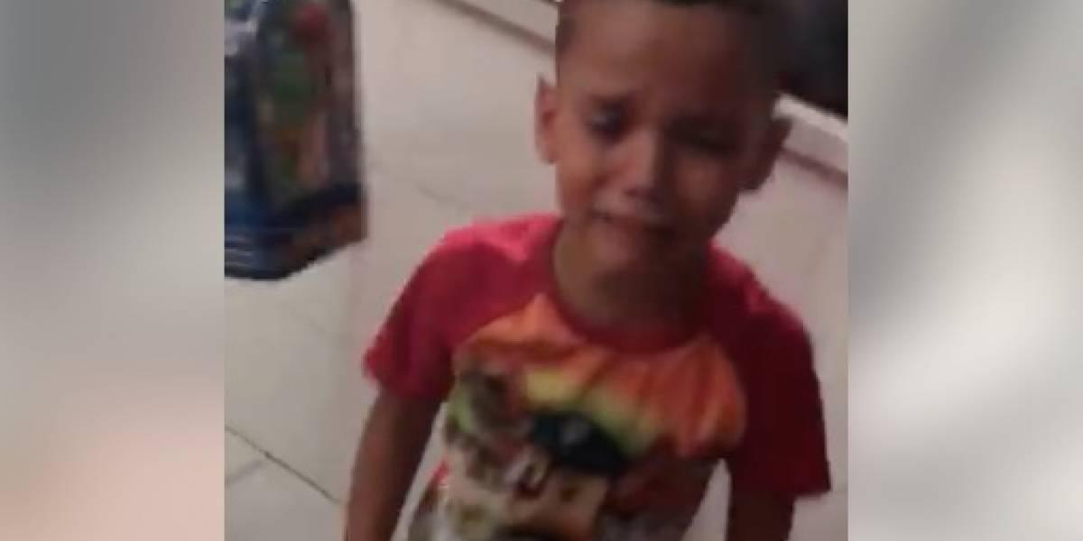 Niño llora al saber que Tommy Ramos ya no estará en Exatlón