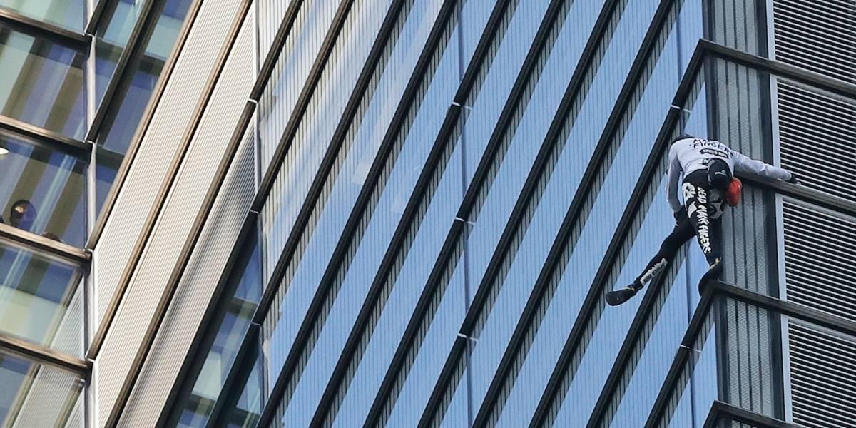 Arrestan a alpinista por escalar uno de los edificios más altos de Londres