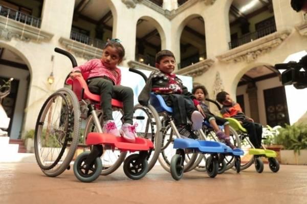 Sillas de ruedas para niños discapacitados
