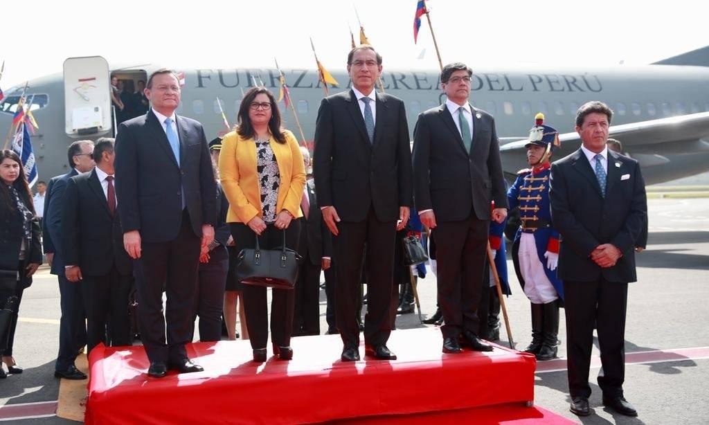 Moreno y Vizcarra instalan XII Gabinete Binacional Ecuador-Perú
