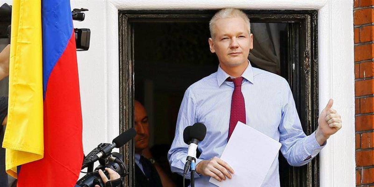 Assange pide garantías al Reino Unido para salir de la Embajada de Ecuador