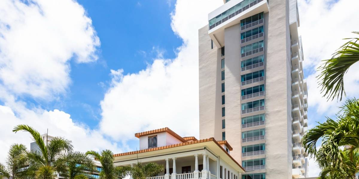 Inauguran complejo residencial de lujo para participantes del Programa Sección 8