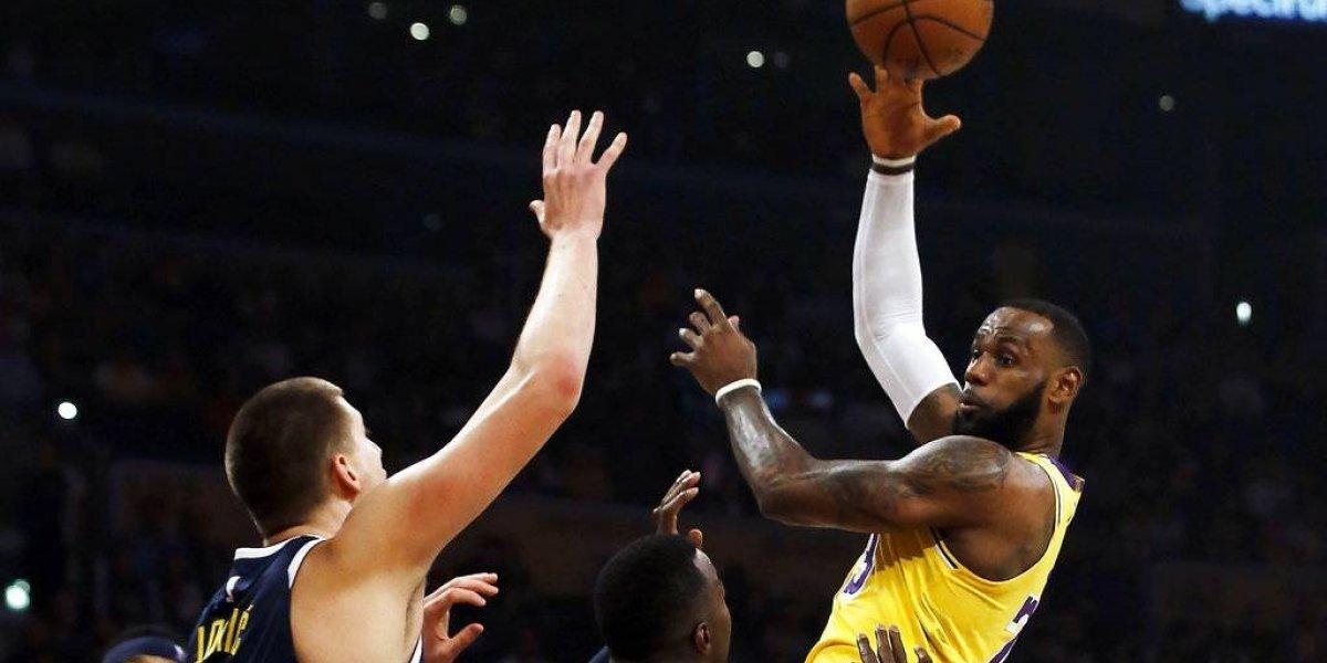 San Antonio derrota 144-143 a los Lakers y a Lebron James