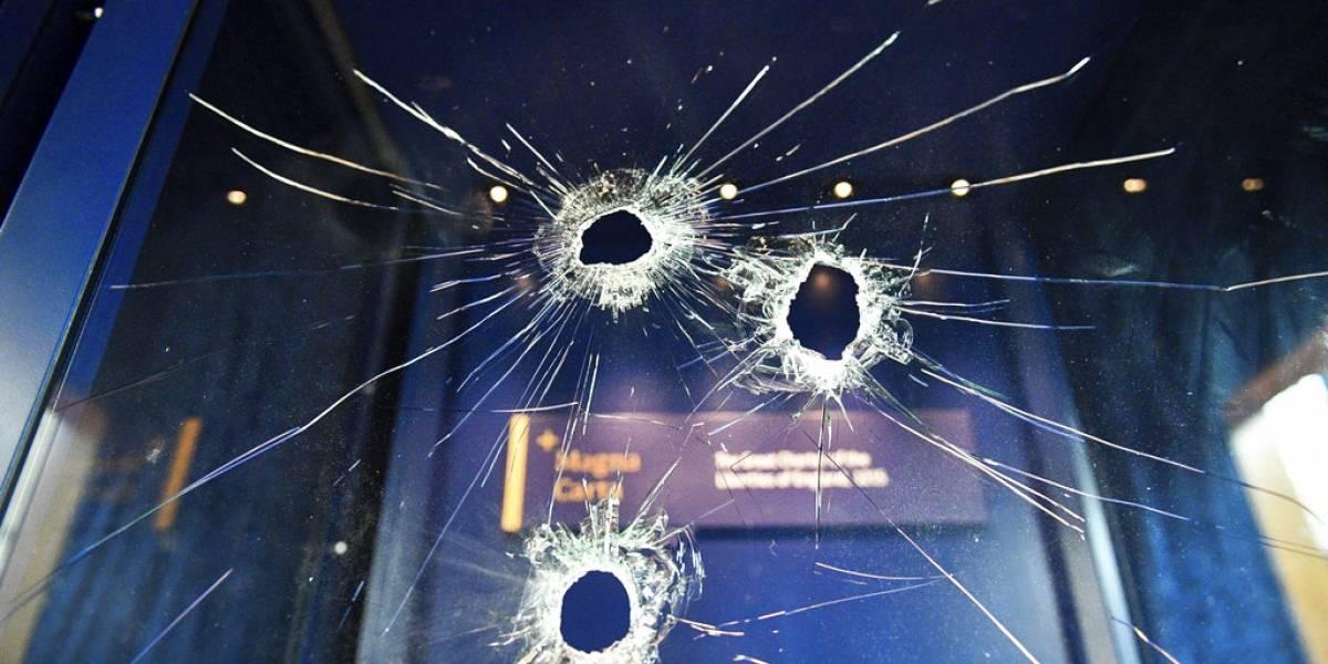 Pensó que era así de fácil: intentó robar Carta Magna de Inglaterra rompiendo el cristal blindado con un martillo