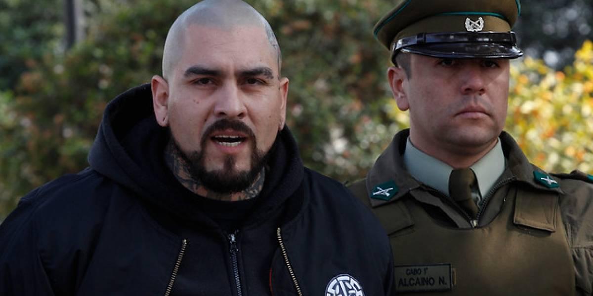 """Defensa de neonazi """"El Bestia"""" abandona recurso y es declarado oficialmente prófugo: fue sentenciado a 10 años de prisión por homicidio"""