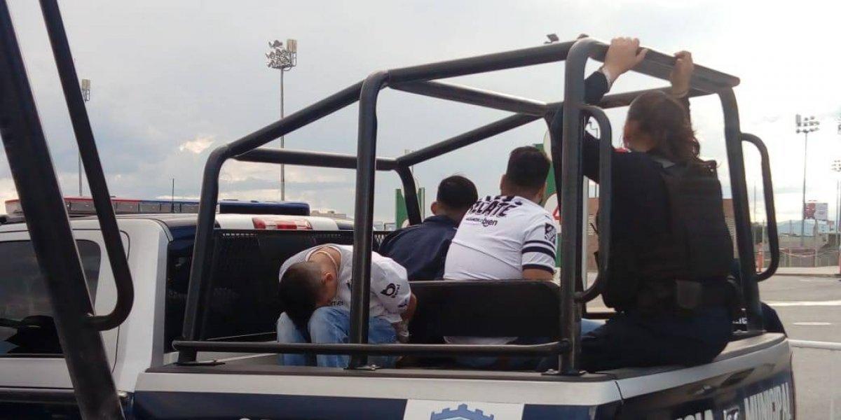 VIDEO: Aficionados de Monterrey protagonizan nuevo episodio de violencia