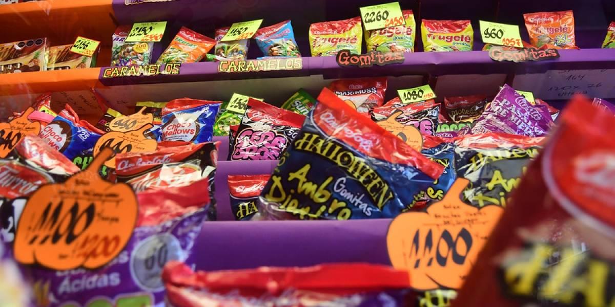 Detectan infracciones a ley de etiquetado en la venta de dulces de Halloween