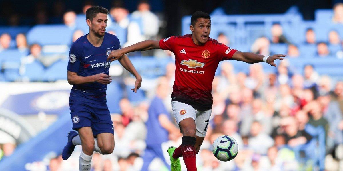 Mourinho confirmó que Alexis seguirá fuera en el United y deslizó crítica a la Roja