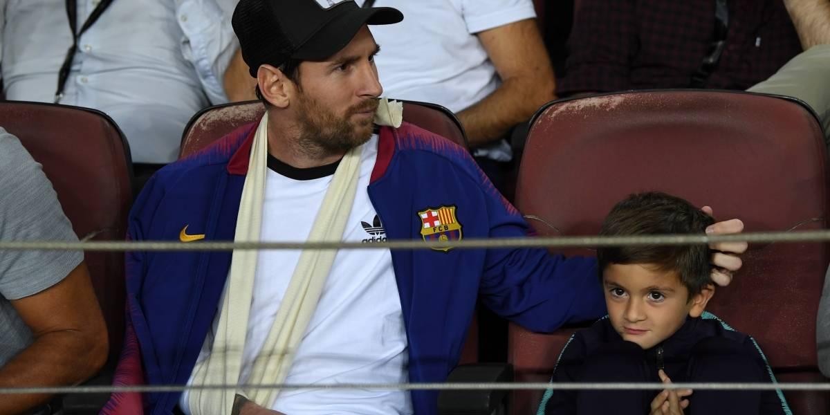 VIDEO: Hijo de Messi dibuja logo de la Juventus en partido del Barça