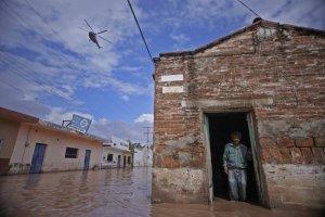 huracan-willa-causa-la-muerte-de-4-personas-en-nayarit