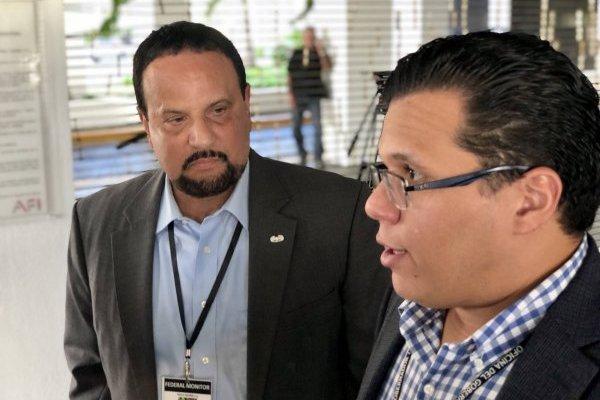 En la foto, el monitor federal de la Reforma de la Policía de Puerto Rico, Arnaldo Claudio, y el asesor legal de La Fortaleza, Alfonso Orona / Foto: David Cordero Mercado
