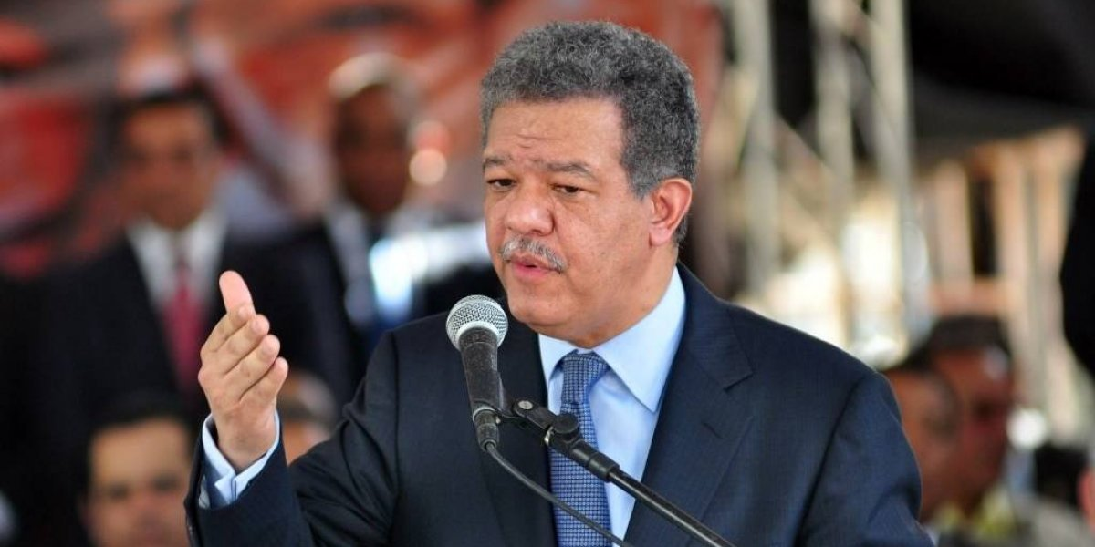 """Fernández dice Constitución está por encima de """"defectuosa"""" ley de partidos"""